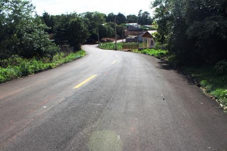 Após asfaltamento, vias receberam sinalização